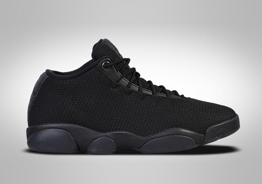 nike air jordan horizon low triple black pour 112 50. Black Bedroom Furniture Sets. Home Design Ideas