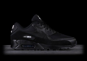 the best attitude bcd9d 55079 NIKE AIR MAX 90 ULTRA MID WINTER BLACK pour €135,00   Basketzone.net