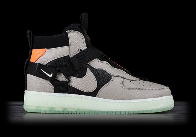 5c1d25e4bf530 NIKE AIR FORCE 1 UTILITY MID SPRUCE FOG pour €137,50 | Basketzone.net