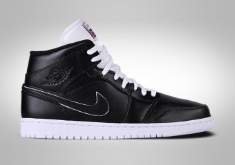 1f044425b88009 BASKETBALL SHOES. NIKE AIR JORDAN 1 RETRO ...